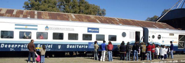 Tren de desarrollo social y sanitario