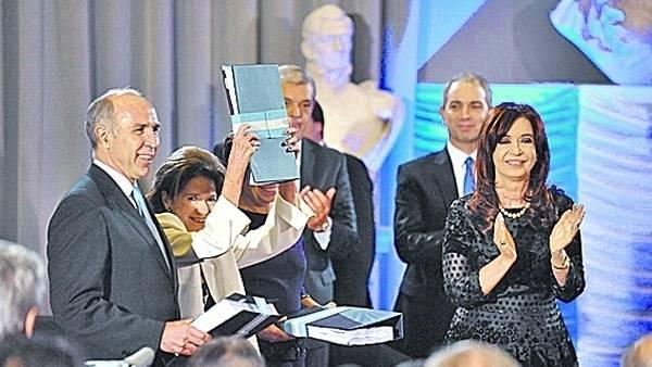 Cristina-Lorenzetti-volveran-compartir-acto CLAIMA20141006 0230 27