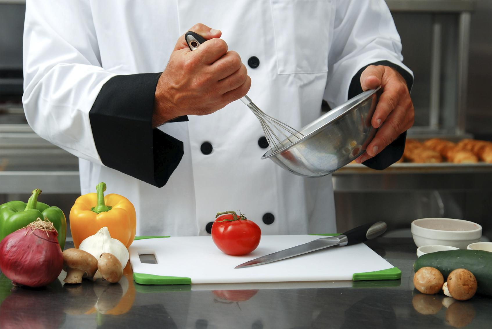 Chef De Cocina | Restaurante Busca Cocinero Ayudante De Cocina Y Mozo 12 Noticias