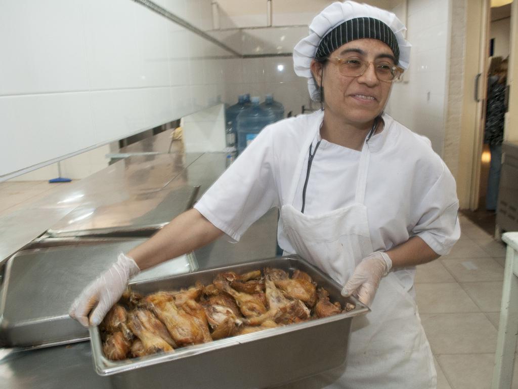 Solicitan ayudante de cocina con 2 a os de experiencia 12 noticias - Examenes ayudante de cocina ...